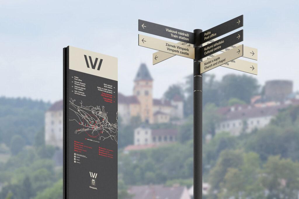 Součástí jsou i navigační prvky ve veřejném prostoru, na kterých Chabera úzce spolupracuje s městským architektem René Dleskem. Vimperk