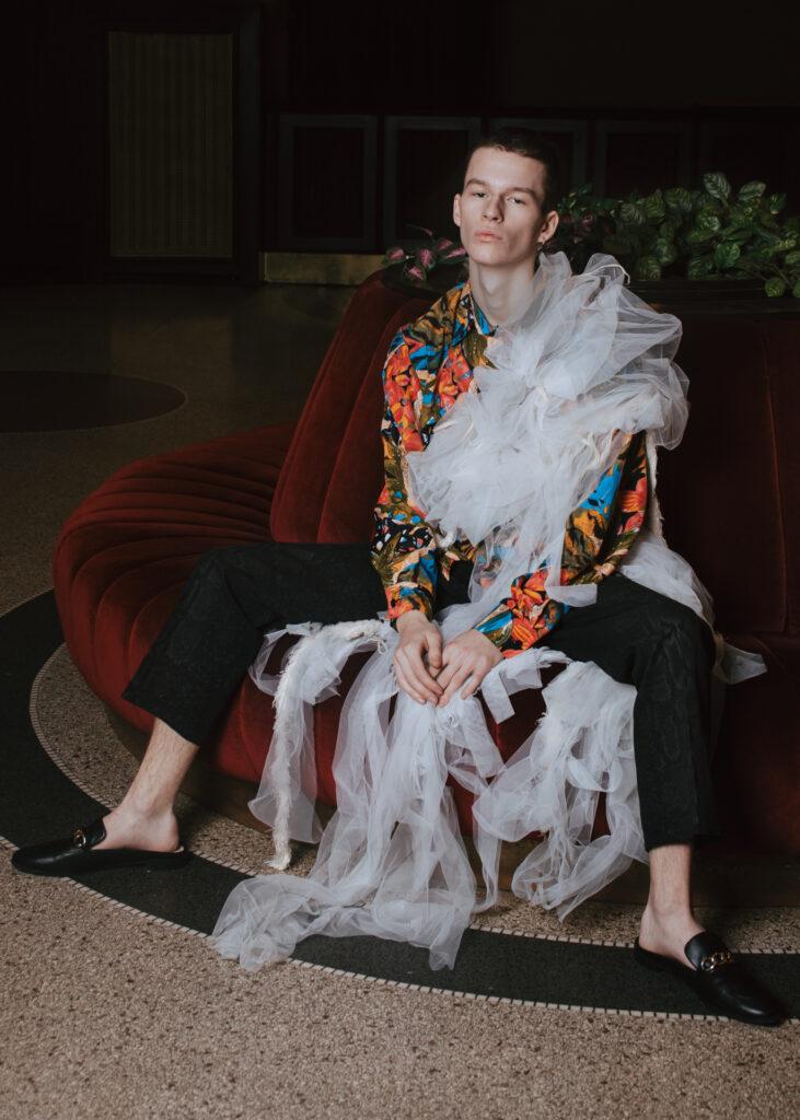 Marie Šrajerová - On camp, která se zabývá vizuálním stylem Camp ve stylu módních editoriálů, 1. ročník