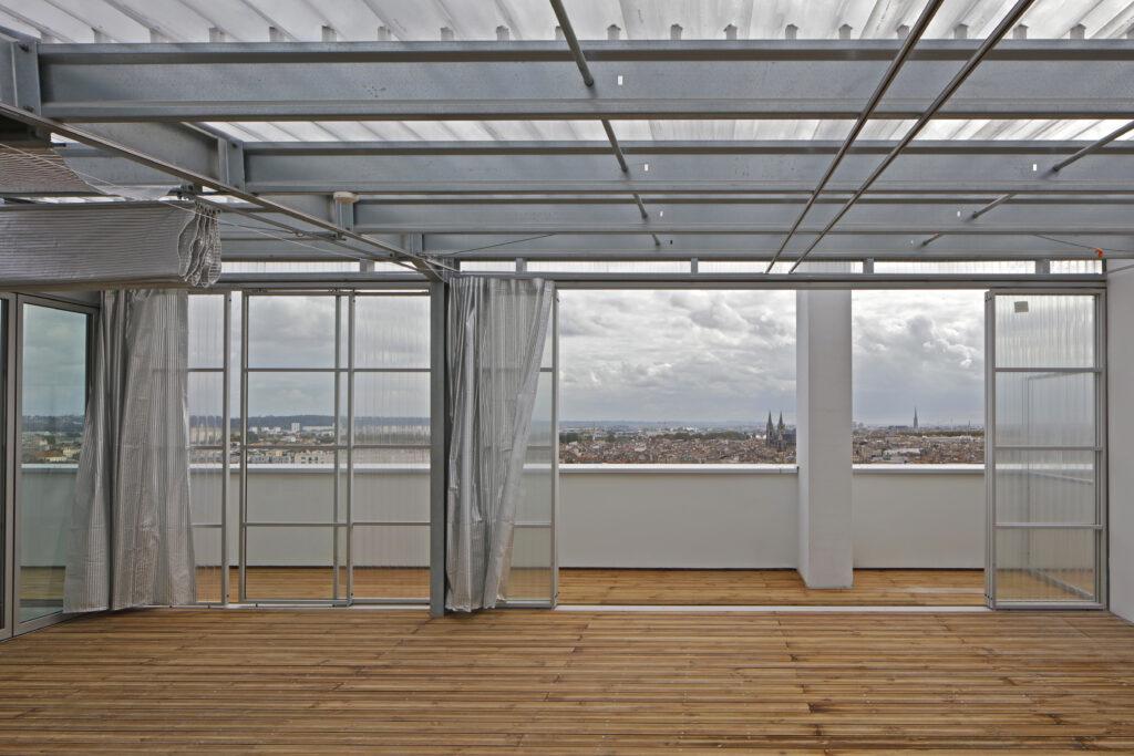 Lacatonová s Vassalem v jednotlivých apartmánech propojili interiér s exteriérem. Foto Pritzker Prize, Philippe Ruault
