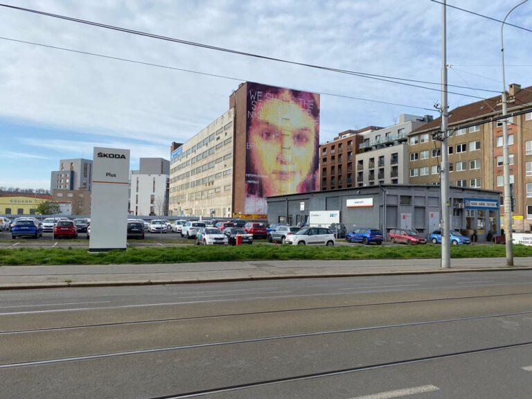 Mural v Holešovicích. Zdroj Footshop