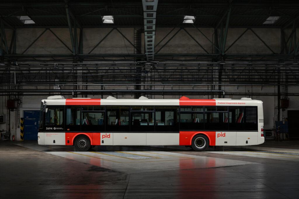 Nový vizuální styl Pražské integrované dopravy (PID) od studia superlative.works. Foto Czech Grand Design/T.Slavík a Z.Porcal