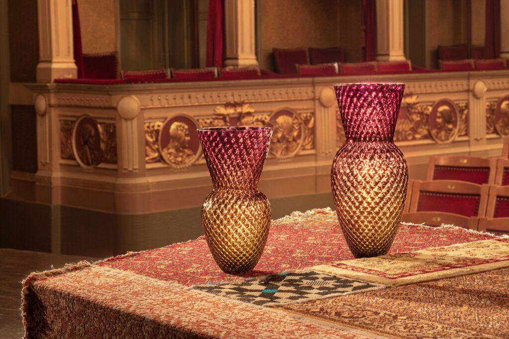 Drama Vases podle návrhu Františka Jungvirta pro KLIMCHI. Foto z Vinohradského divadla od Katarína Hudačinová