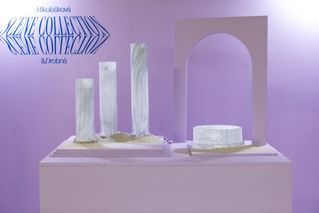 Instalace Scene Collection Kristýny Mikoláškové a Terezy Drobné. Foto Anna Pleslová