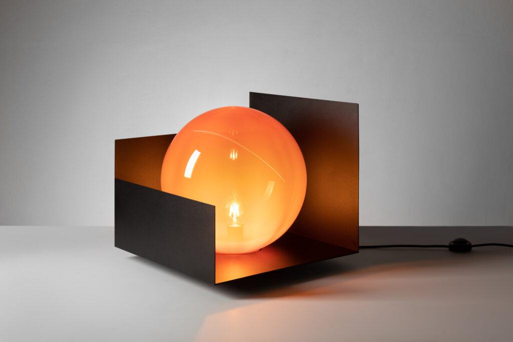Phases Floor Lamp od Tomáše Kučery. Zdroj Tomáš Kučera