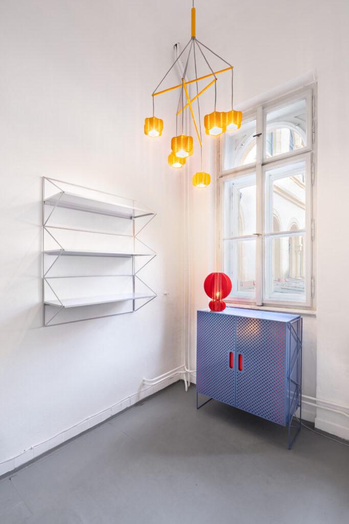 Česko-německá značka Fleysen s více než padesátiletou historií představuje výsledky spolupráce s designéry Filipem Mirbauerem a Michalem Strachem v podobě kolekcí nábytku a bytových doplňků, se kterými chce značka směrovat od průmyslově laděných produktů k interiérovému designu. Foto Anna Pleslová
